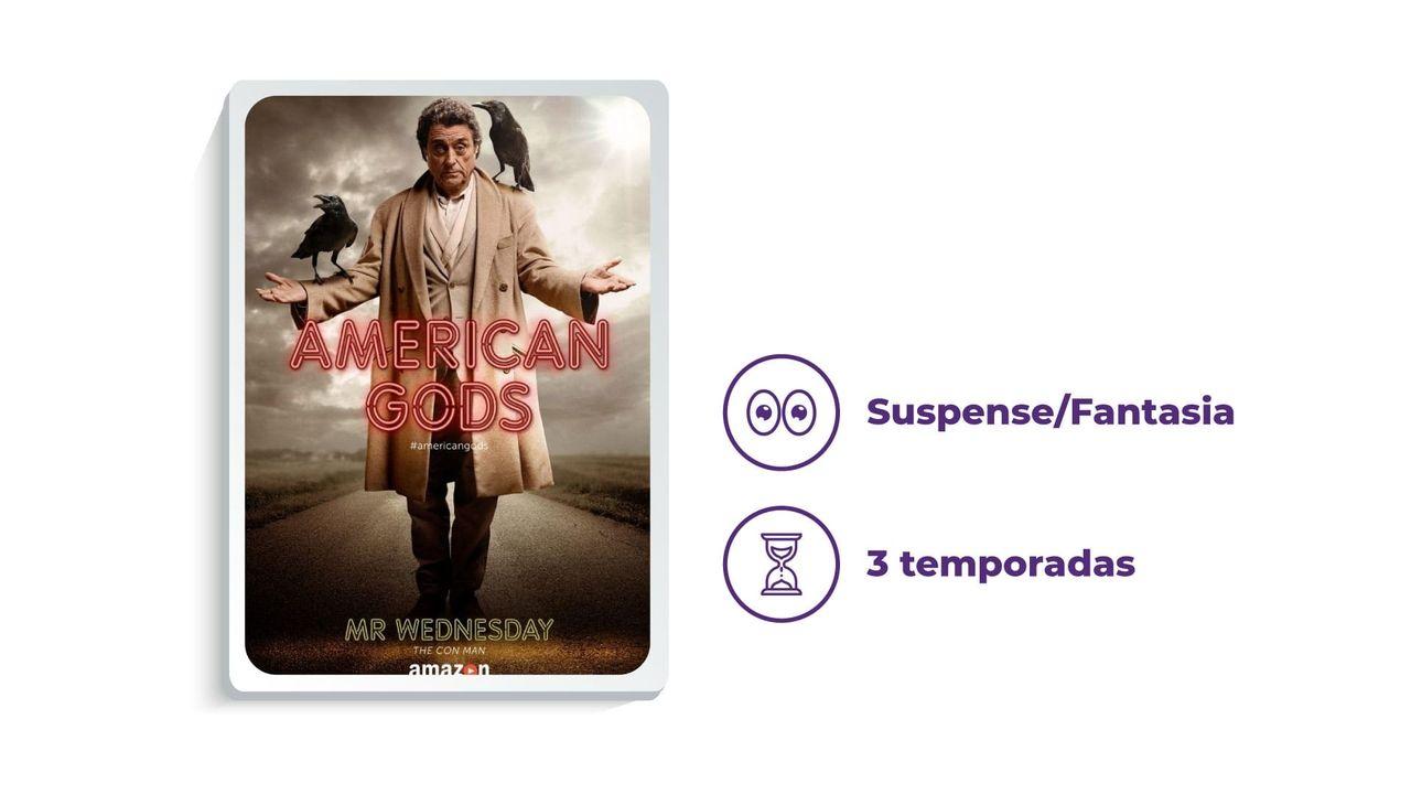 """Cartaz divulgação da série """"American Gods"""" ao lado dos escritos """"Suspense/Fantasia"""" e """"3 temporadas"""", tudo em fundo branco."""