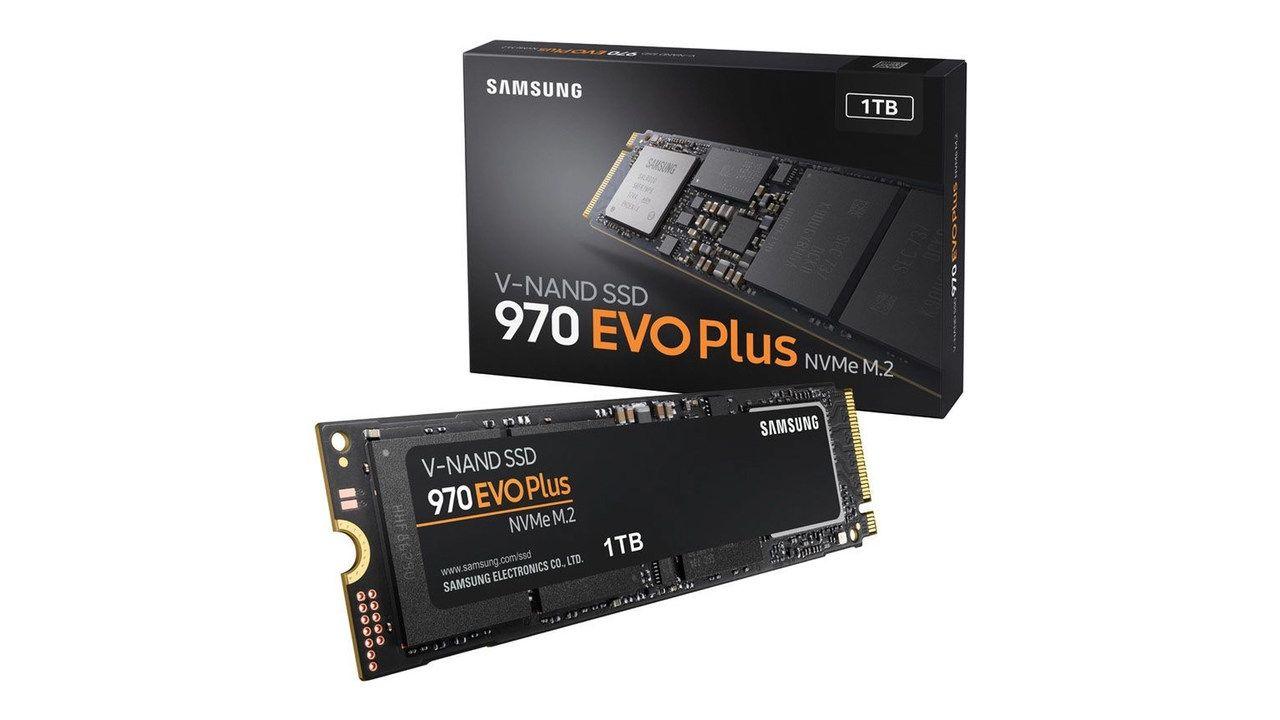 SSD 1TB Samsung 970 EVO Plus preto no fundo branco