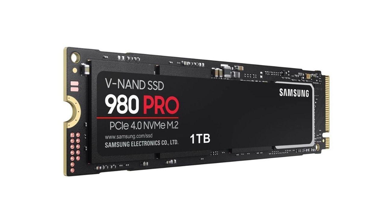 SSD 1TB Samsung 980 PRO preto no funco branco