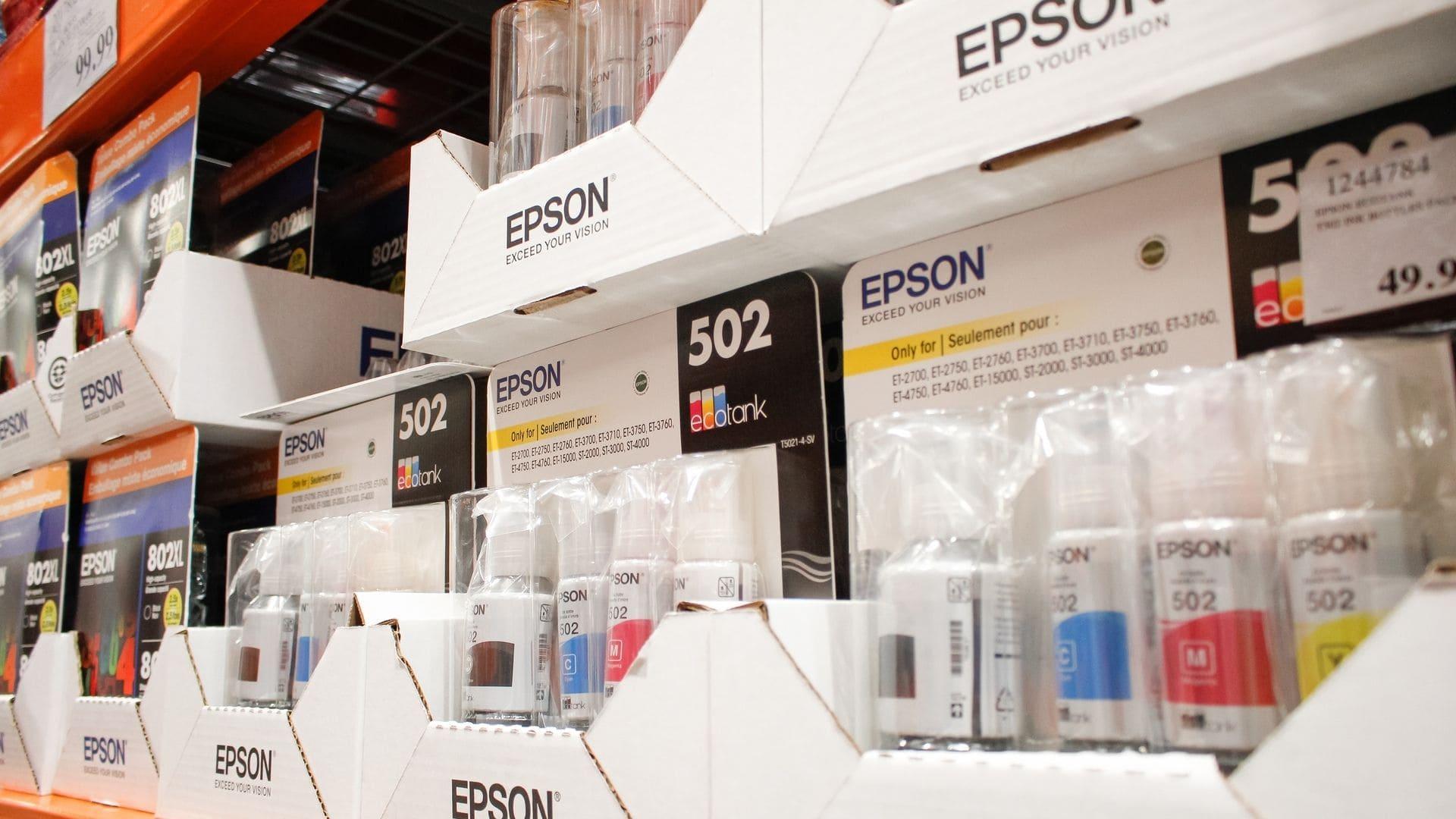 Prateleiras com tintas para impressora Epson