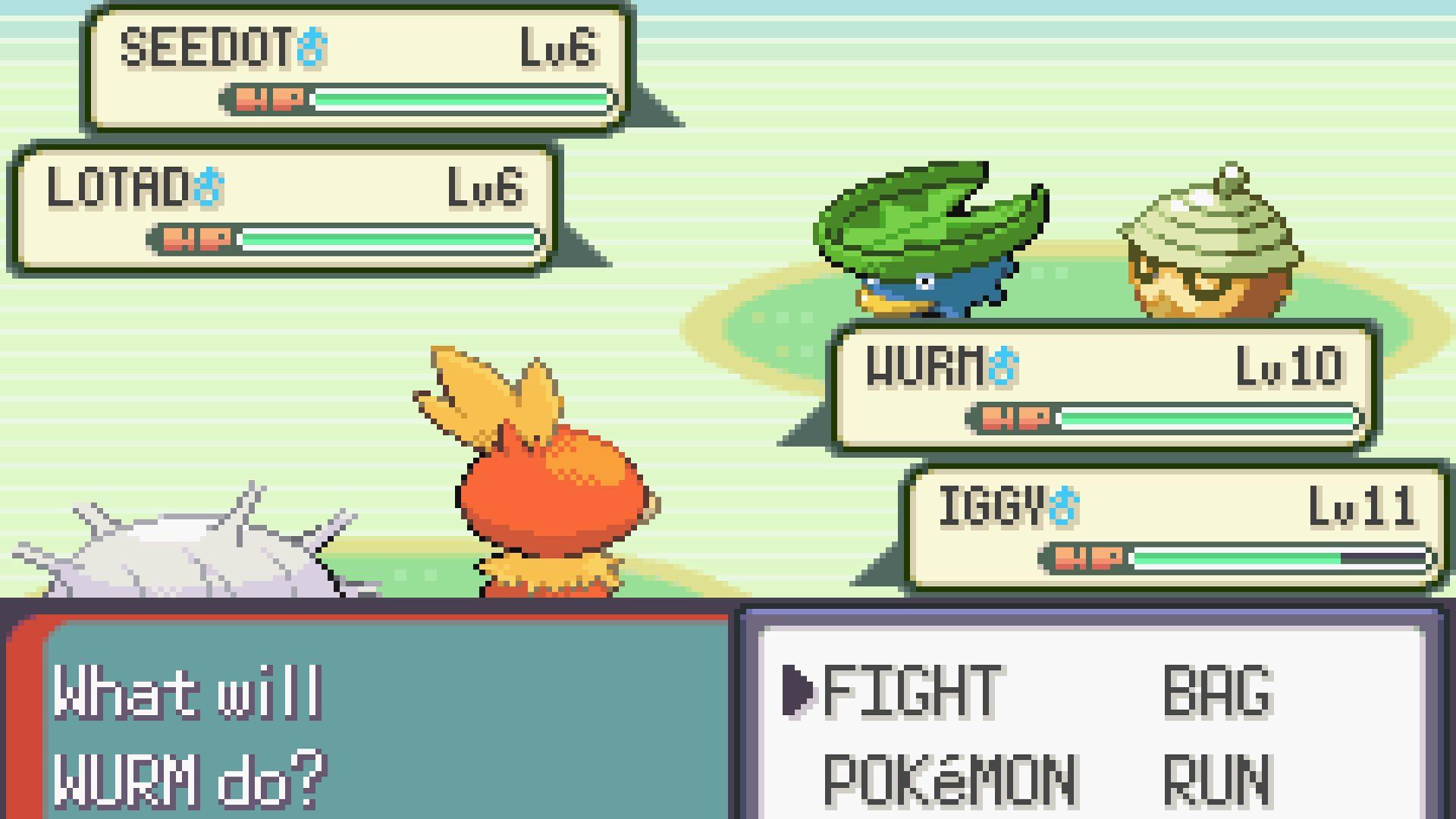 Luta pokémon em dupla no Game Boy Advance, com um Cascoon e Torchic do lado do jogador e um Lotad e Seedot do lado oponente em uma tela de grama.