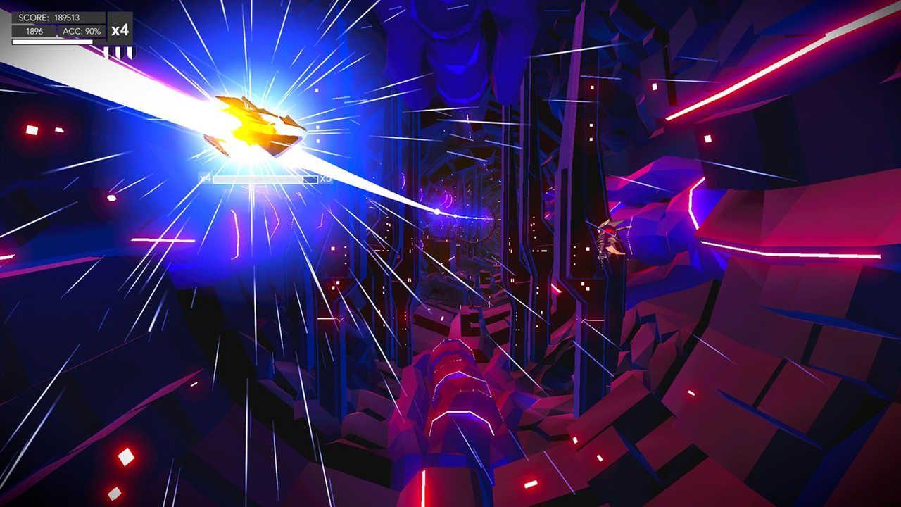 Uma nave espacial segue um rastro de luz brilhante em meio a uma cadeia rochosa e construções ao redor