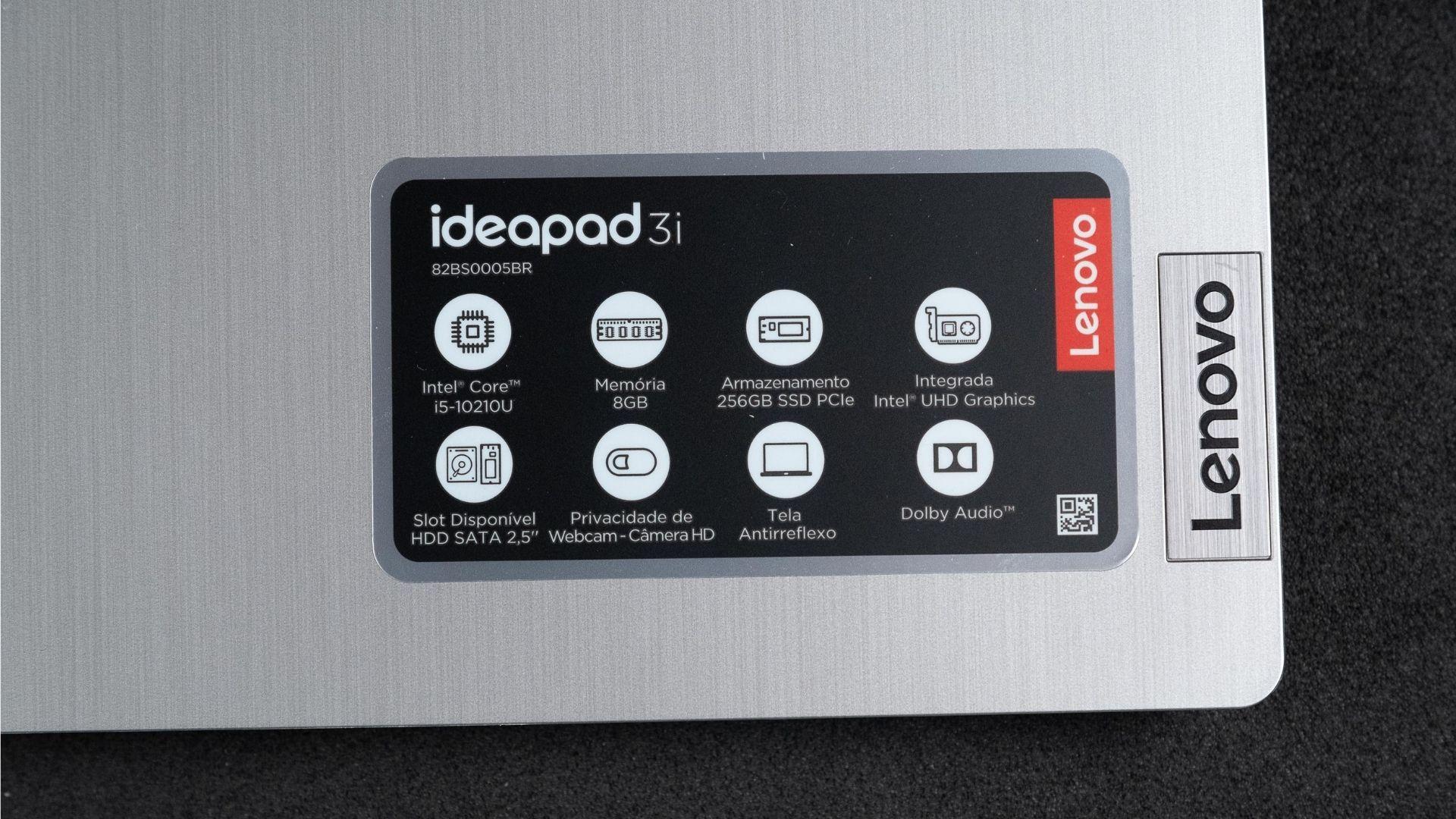 Adesivo do Lenovo IdeaPad 3i com as especificações técnicas