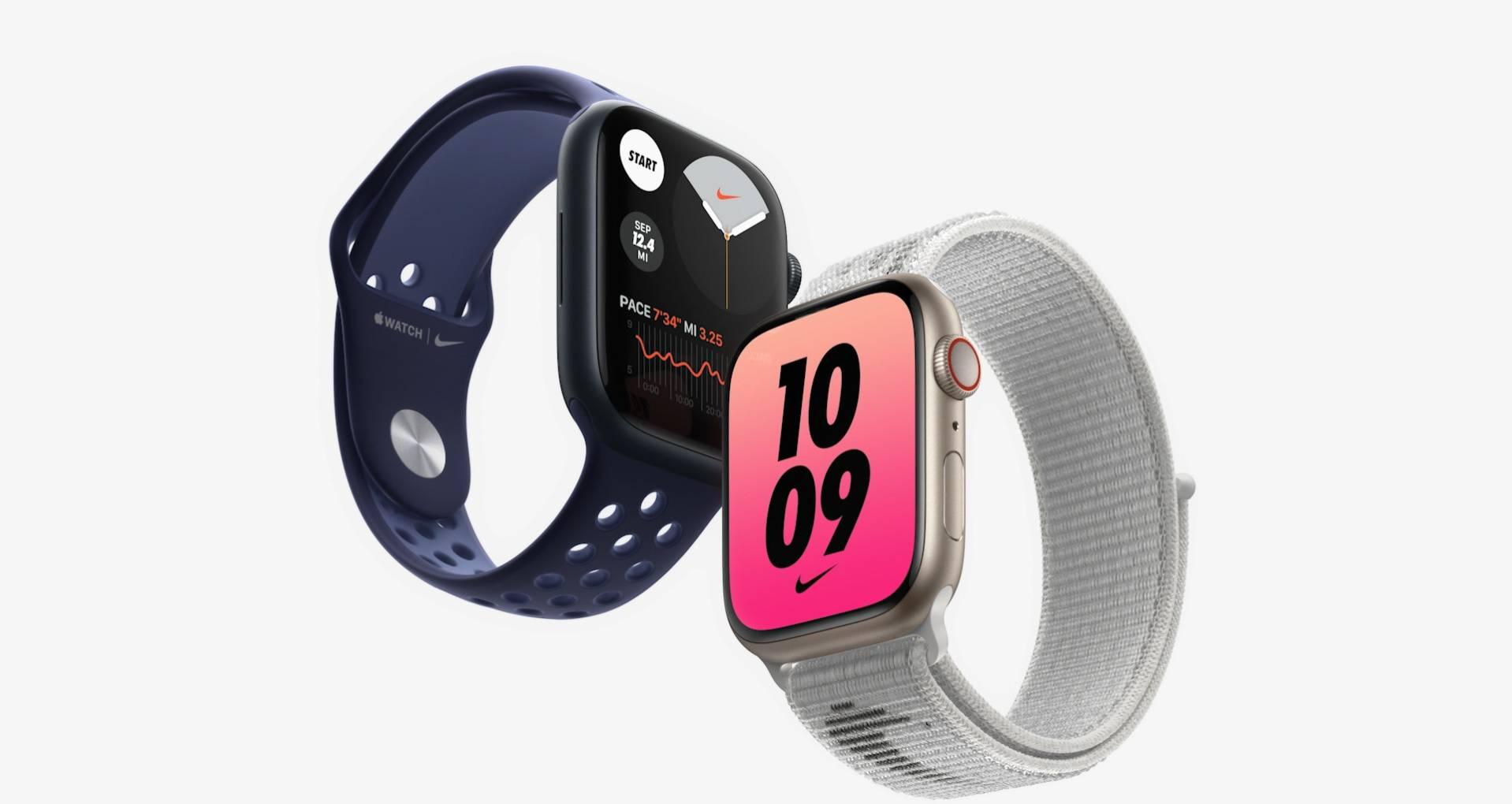 Dois Apple Watch 7 nas cores azul e branca, com o azul exibindo um medidor de batimento cardíaco funcionando na tela
