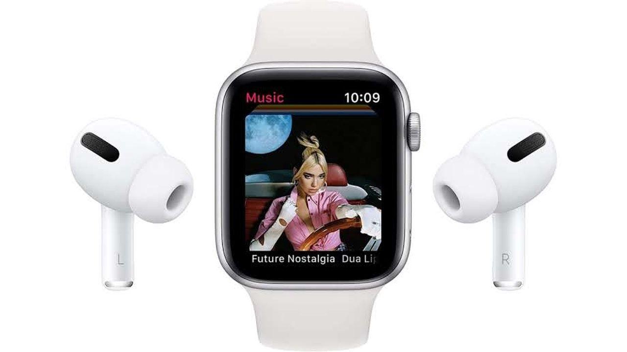 Apple Watch SE branco com imagem de clipe musical e fones de ouvido brancos em fundo branco