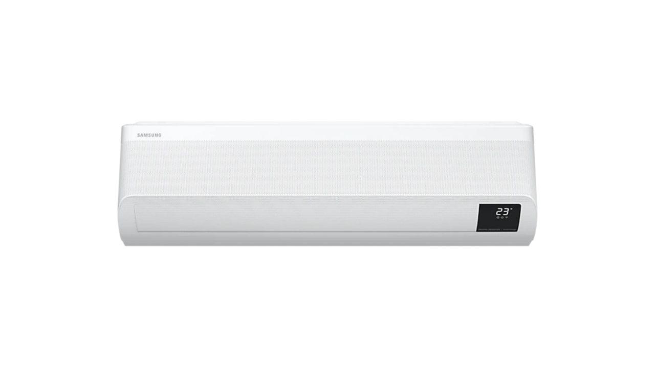 Ar-condicionado Samsung Wind Free branco, de frente, em fundo branco