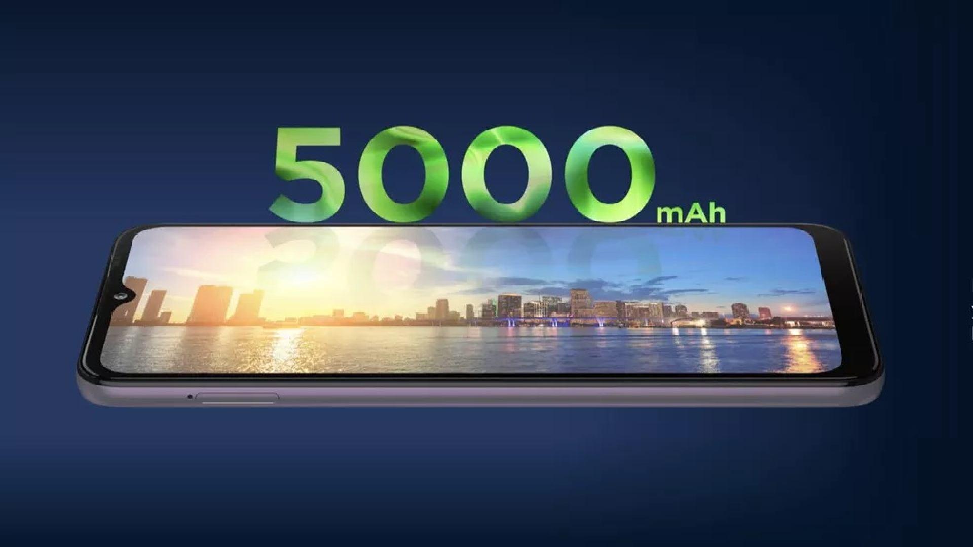 Bateria do Moto G10 indicando capacidade de 5.000 mAh.