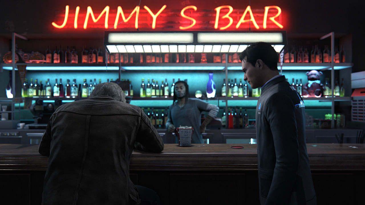 Cena de Detroit Become Human em um bar, com o android Connor em pé falando com o detetive Hank, sentado no balcão, com prateleiras de bebidas ao fundo