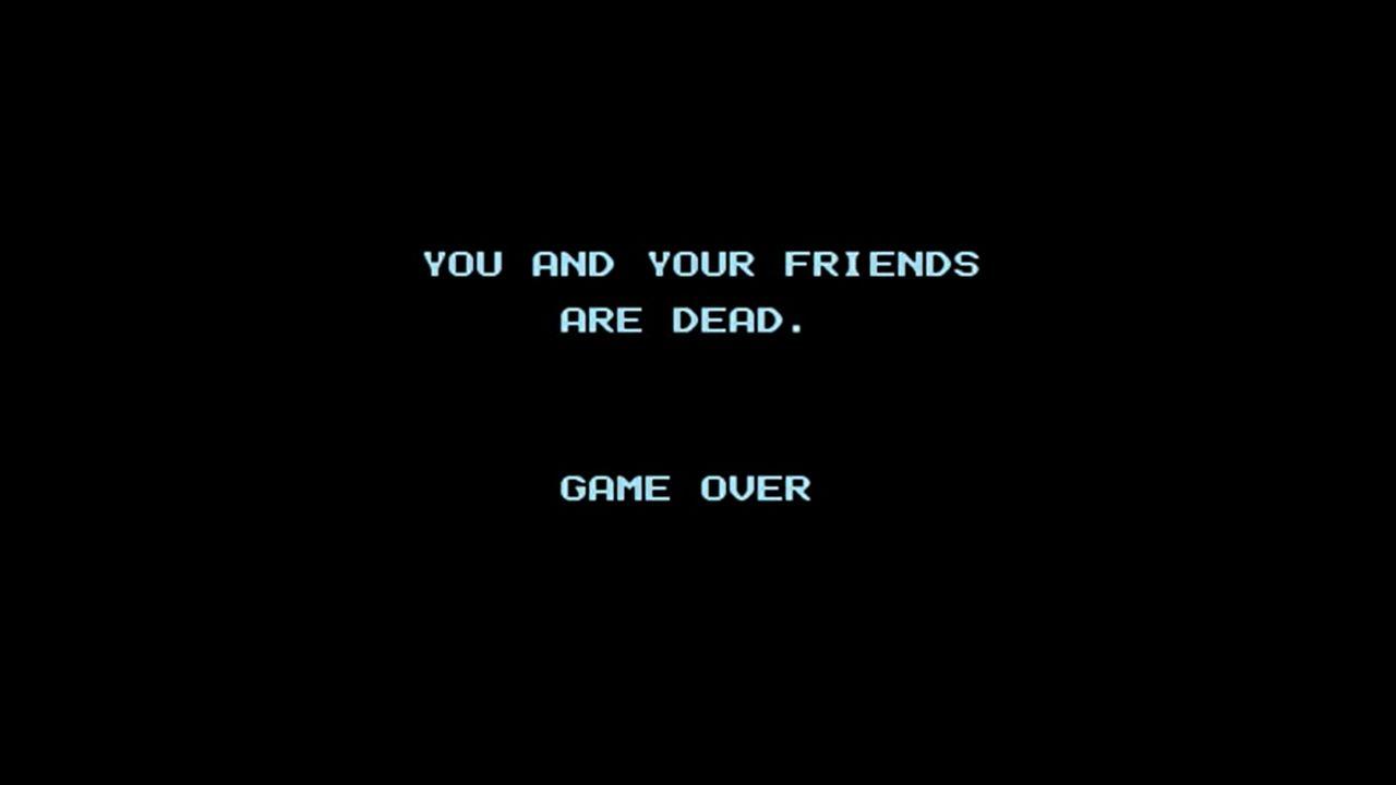Game Over de Friday the 13th, com tela preta com as frases em azul: You and your friends are dead. Game Over