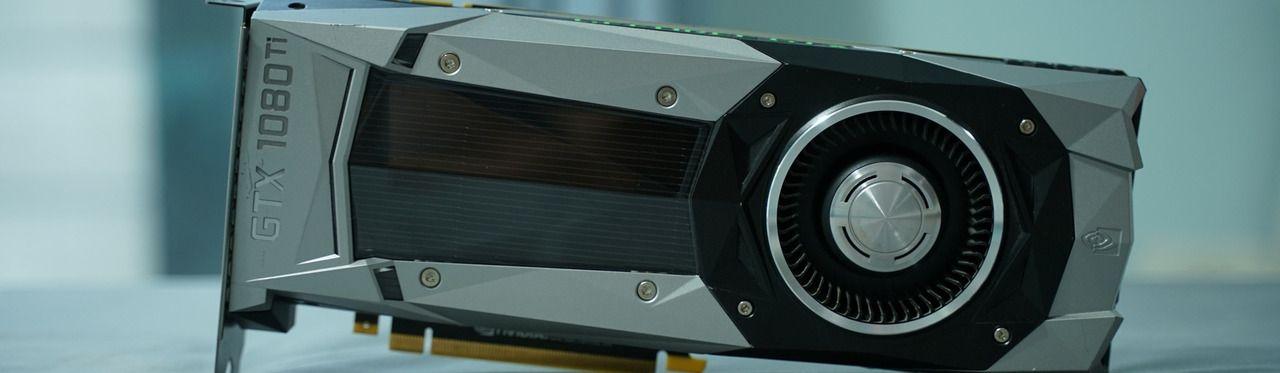 Placa de vídeo GTX 1080 Ti em cima de uma mesa.