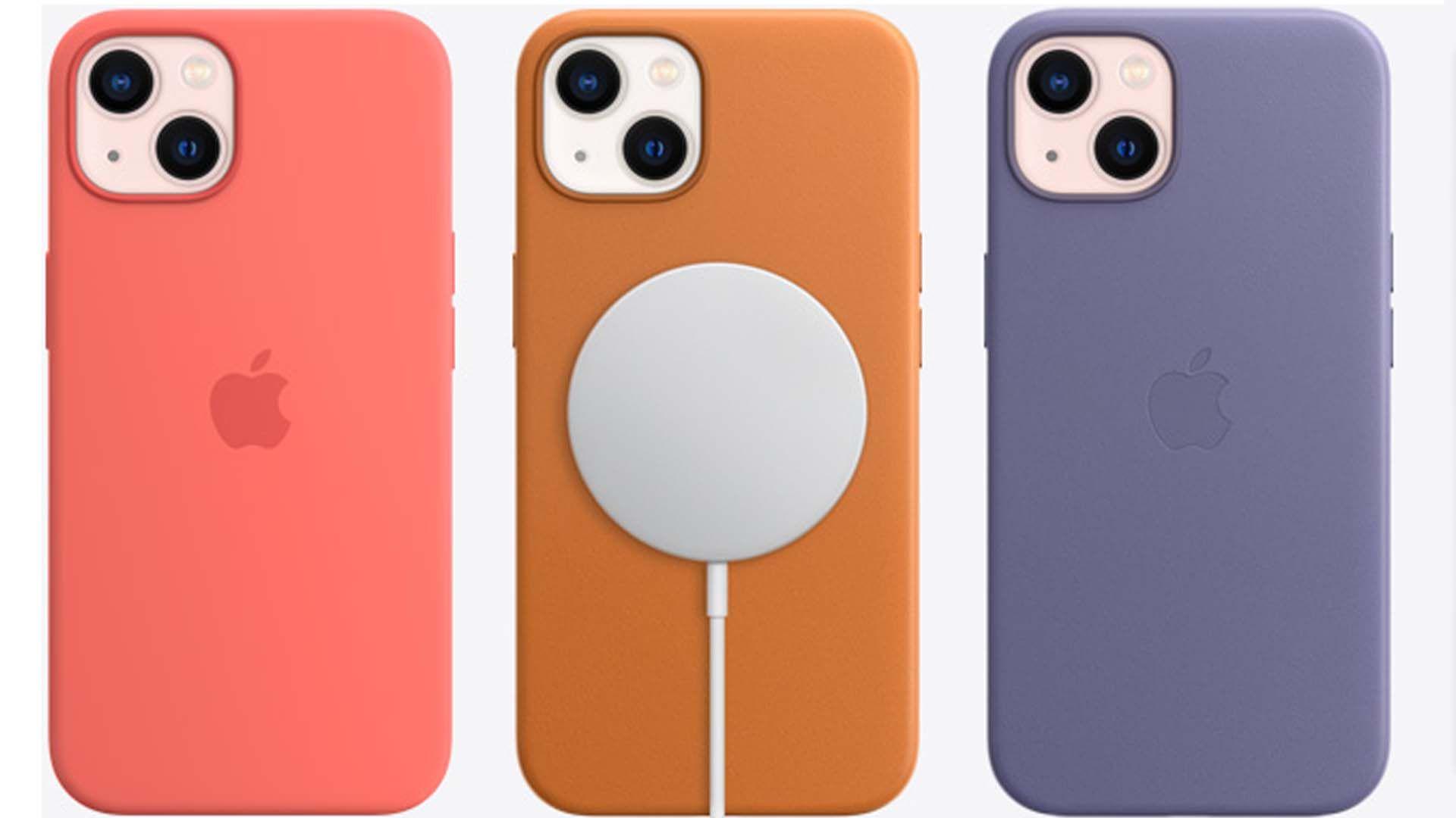 Imagem de três modelos do iPhone 13 Mini, sendo um deles com o carregamento MagSafe.