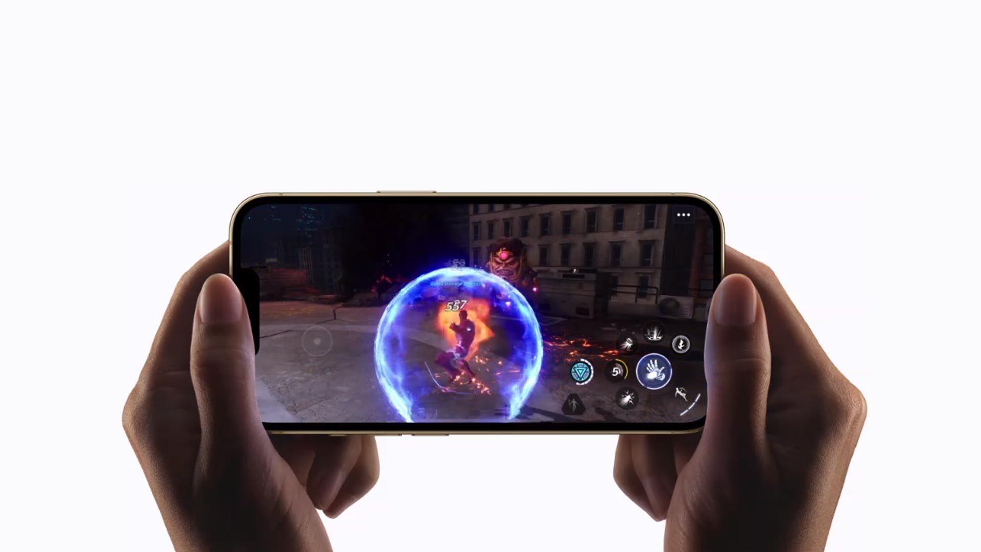 Imagem do iPhone 13 Pro Max rodando um jogo