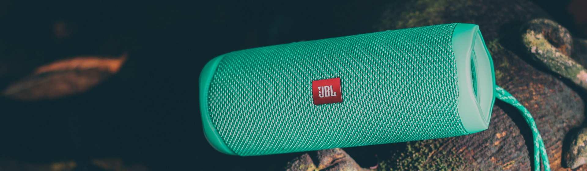 JBL Flip 5 vale a pena? Conheça a caixa de som Bluetooth
