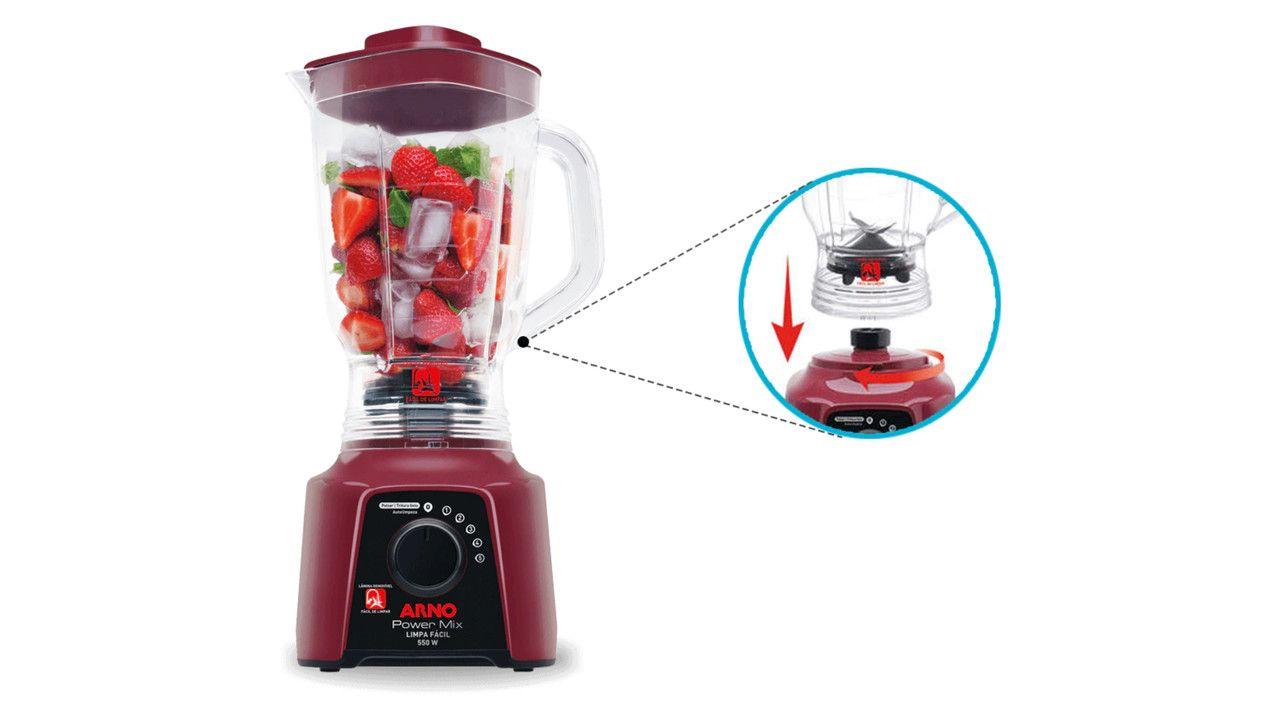 Liquidificador Arno Power Mix vinho com gelo e morangos dentro da jarra e, ao lado, uma imagem ilustrando o sistema Limpa Fácil do modelo