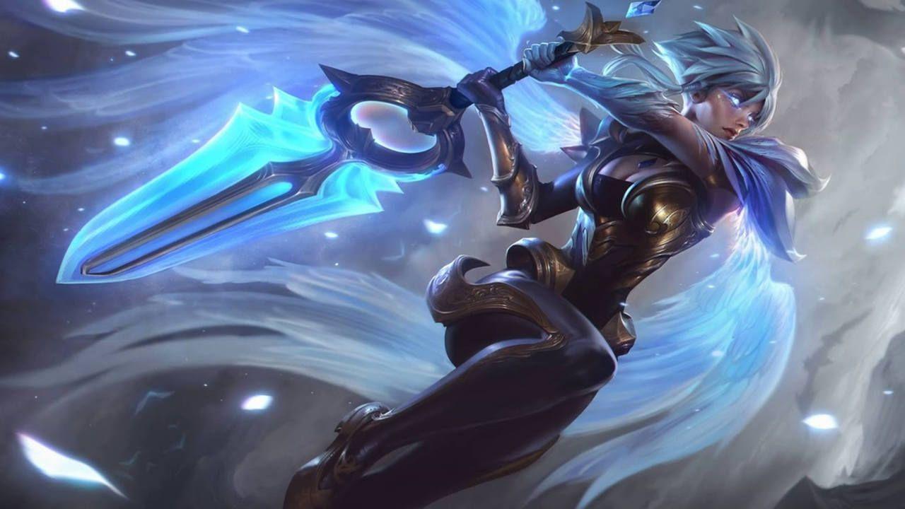 LoL skin Riden empunhando sua espada como emissária da luz