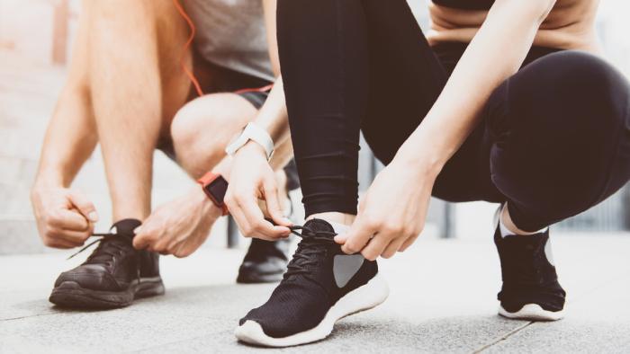 A corrida traz benefícios para a saúde física e mental (Imagem: Reprodução/Shutterstock)