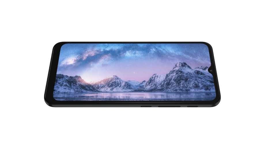 Tela do Moto G30 com imagem de paisagem montanhosa em fundo branco