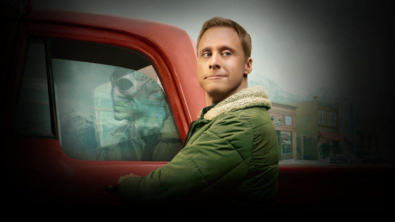 Séries Star Plus: Dr. Harry Vanderspeigle perto de um carro vermelho com reflexo de alienígena na janela do veículo
