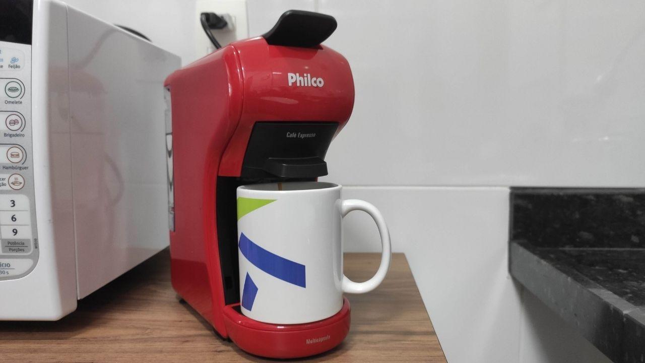 A cafeteira Philco Multicápsula também pode ser usada com pó de café expresso (Foto: Mosaico)
