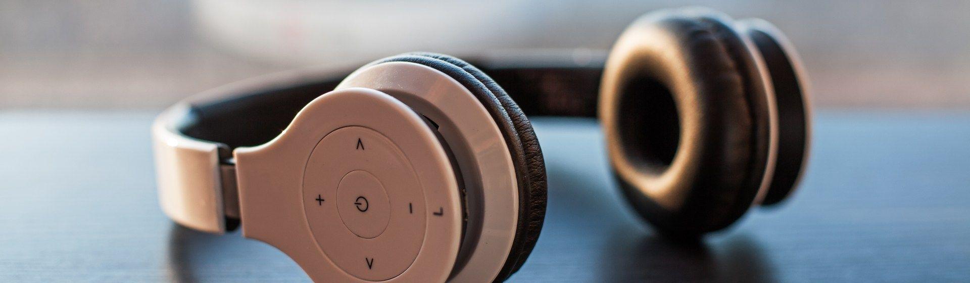 Como escolher um fone de ouvido? Leia o nosso guia completo