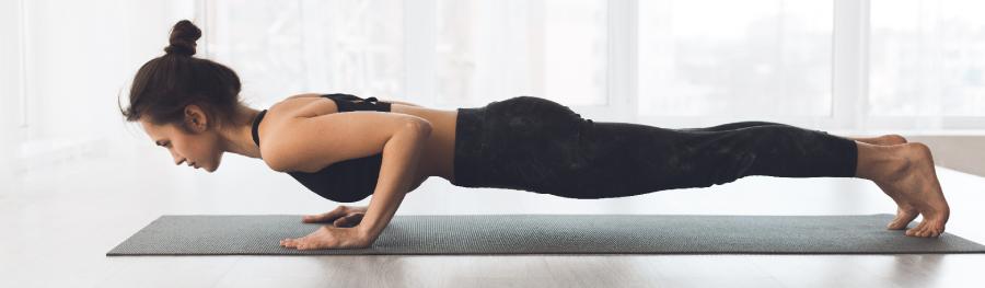 Como fazer yoga em casa? Dicas, acessórios e apps para conhecer antes de começar