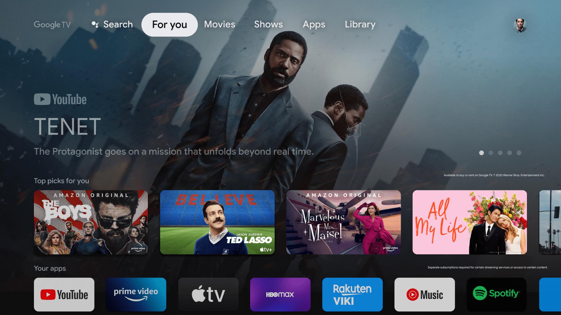 """Foto da tela de uma TV aberta na aba """"For You"""" do sistema operacional Google TV"""