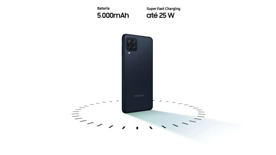 Foto da traseira do Galaxy M22 abaixo das especificações de bateria