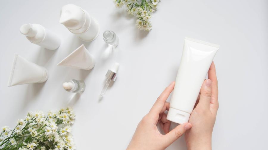 Veja 10 dias essenciais para a sua rotina de skincare (Imagem: Reprodução/Shutterstock)